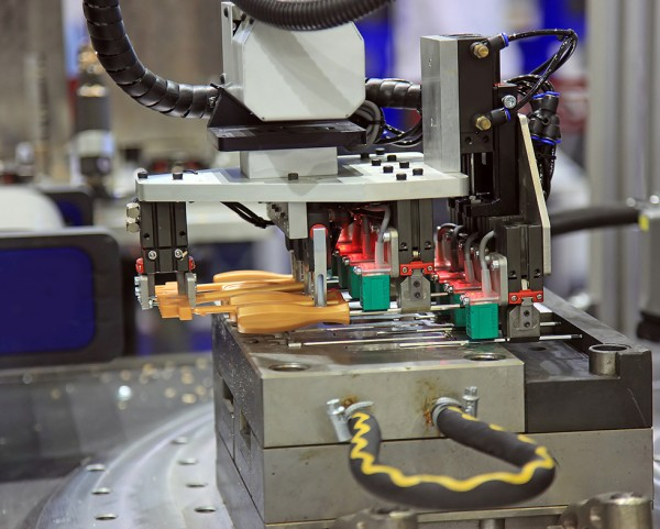 Why the Right Choice of Cooling Method Matters in Plastic Injection Molding